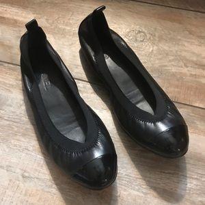 Chanel - Elastic Lambskin CC Cap Toe Ballet Flats